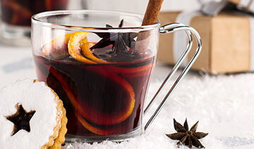making mulled wine